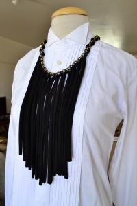 neckpiece black